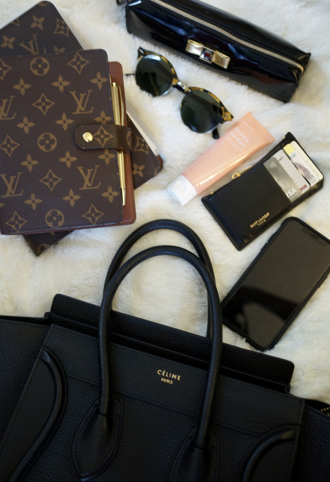 What's in my bag – Celine Micro Luggage Tote