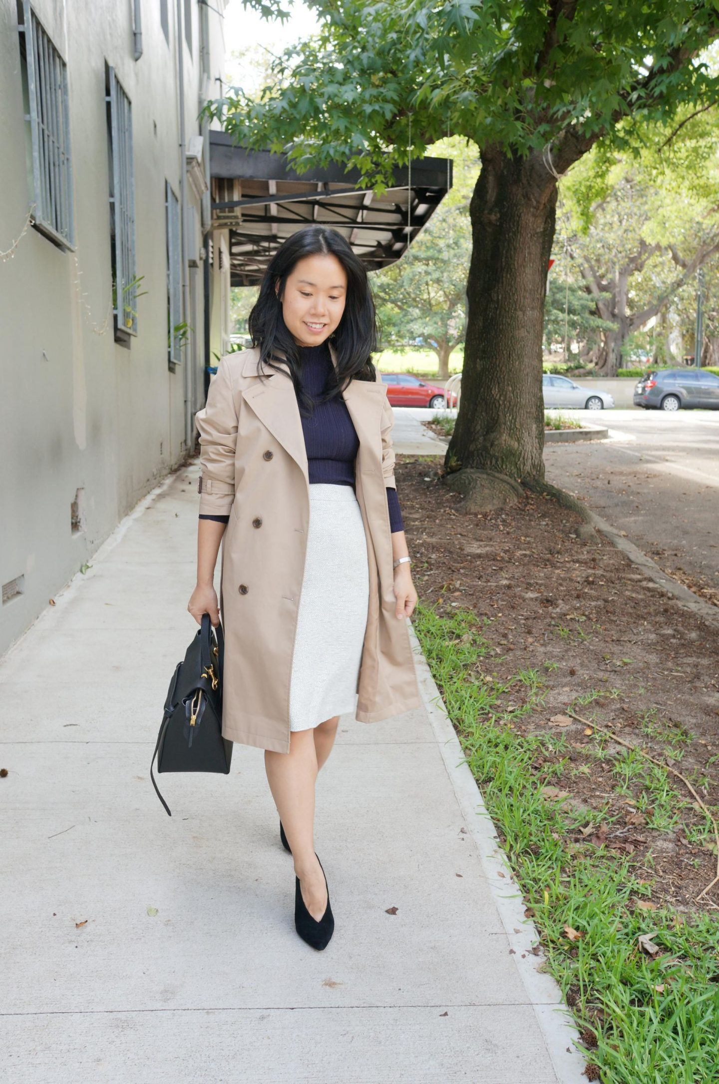 woman in trench coat for work for autumn